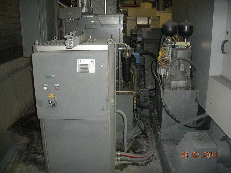 Hydraulik-Kuehlung-CNC-Fraese-dreckig